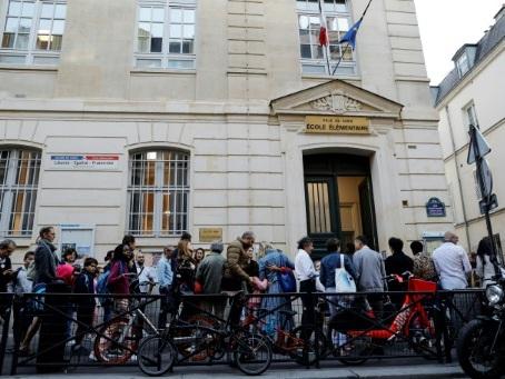 """Autour de Notre-Dame, une rentrée entre """"inquiétude"""" et """"prudence"""""""