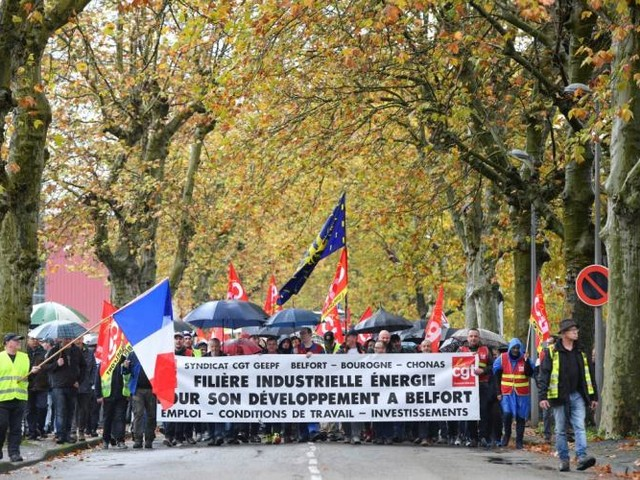 GE Belfort: 2.000 personnes manifestent contre le plan social