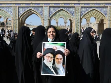 Législatives en Iran: nouvelle prolongation du vote, les conservateurs favoris
