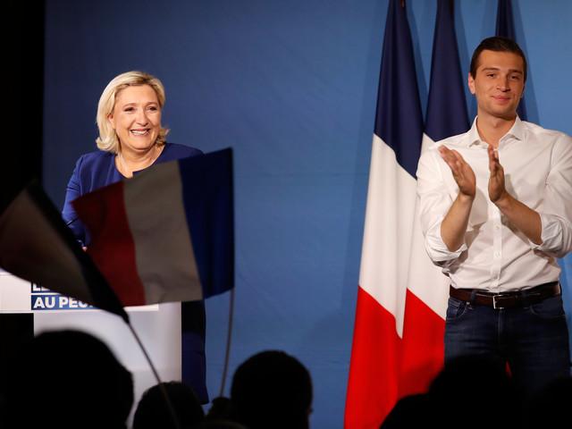 """Le Pen appelle les """"gilets jaunes"""" à voter pour le RN et pas pour LFI, """"la France islamiste"""""""