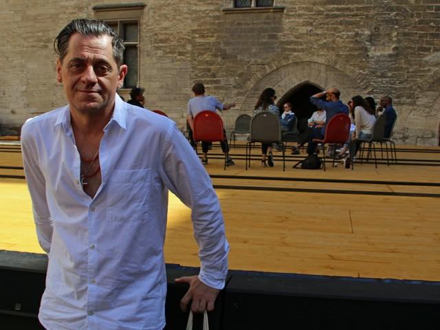 """""""Cette année de réouverture on vit tout dans un bonheur inouï"""" : Olivier Py donne le coup d'envoi de son avant-dernier Festival d'Avignon"""