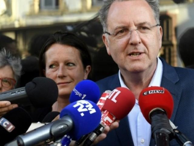 Ferrand va quitter le gouvernement pour briguera la présidence du groupe REM
