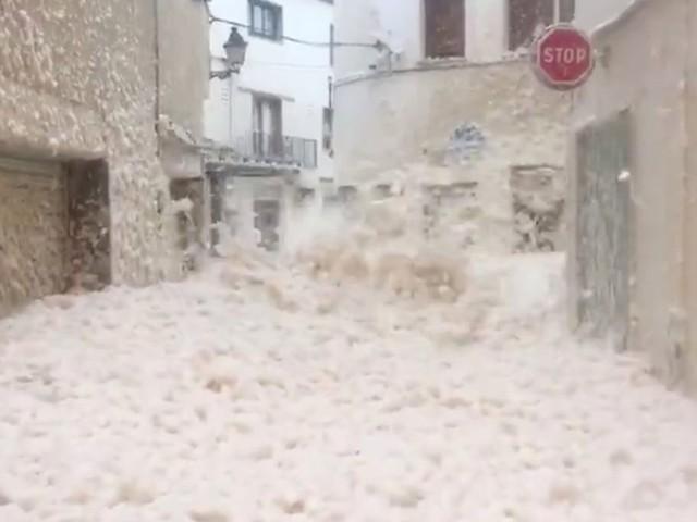 Tempête Gloria: deux départements en alerte, 4 morts en Espagne