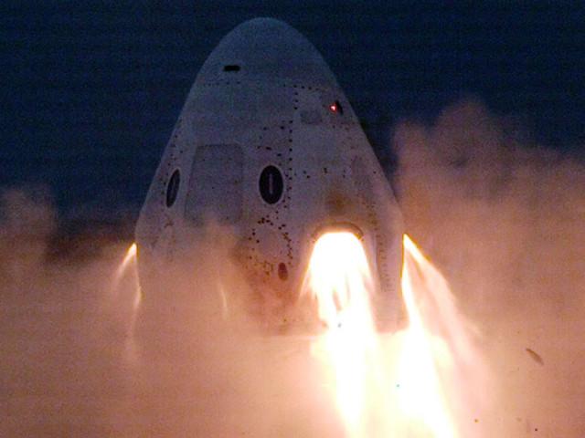 SpaceX teste avec succès les moteurs de sa capsule Crew Dragon