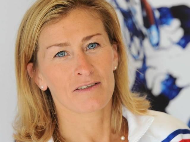 """ENTRETIEN. Les stéréotypes dans le sport, """"c'est en train de bouger"""" selon la directrice du football féminin Frédérique Jossinet"""