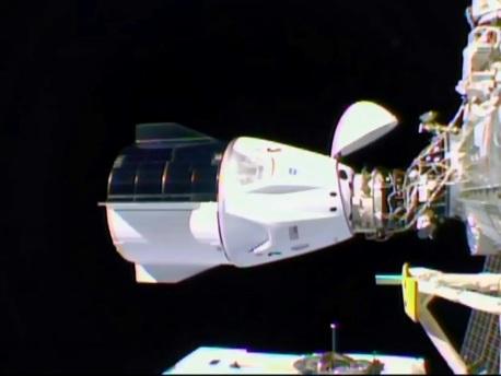 La capsule Dragon de SpaceX s'est arrimée à la Station spatiale internationale