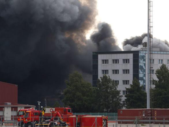 Des pompiers ont des analyses «anormales» suite à l'incendie de Lubrizol