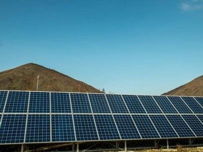 En Hauts-de-France, des panneaux photovoltaïques sur les toits des lycées