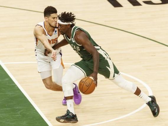 Basket - NBA - Milwaukee s'impose à Phoenix et prend une option sur le titre NBA