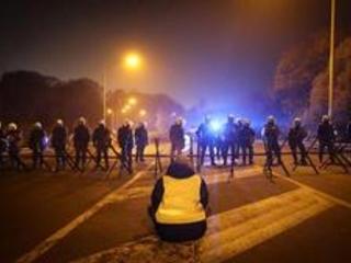 """TC Charleroi - Premier procès d'un """"gilet jaune"""" à Charleroi pour des propos tenus dans un JT de la RTBF"""