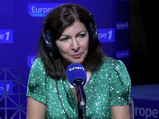 """Anne Hidalgo : """"il faut relancer le tourisme à Paris, mais sur un autre modèle"""""""