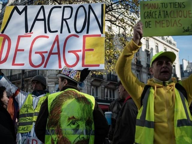 Anniversaire des «Gilets jaunes»: un 2e jour de manifestations dans le calme