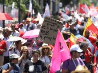 """Grève : deux défilés pour dire """"non"""" au projet de réforme des retraites prévus ce mardi"""