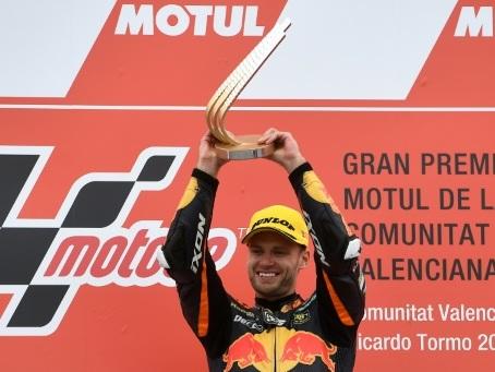 Moto2: 3e victoire consécutive pour Binder qui s'impose à Valence