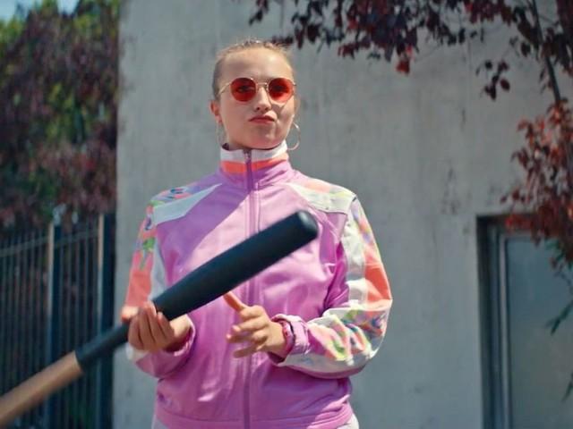 """""""Derby Girl"""" sur Salto : Chloé Jouannet enfile ses patins à roulettes dans une série décalée et impertinente"""