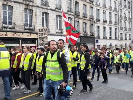 """Y a-t-il lieu de s'inquiéter pour notre démocratie ? 18/20 spécial """"Gilets jaunes"""""""