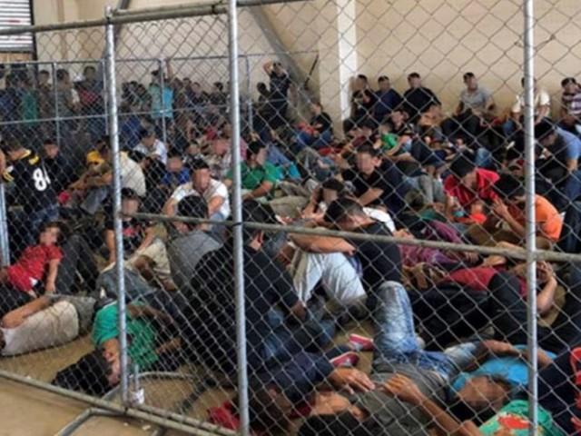 Centres de rétention pour migrants aux États-Unis: les images choc de la surpopulation