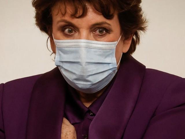 Roselyne Bachelot, infectée par le Covid-19, donne de ses nouvelles