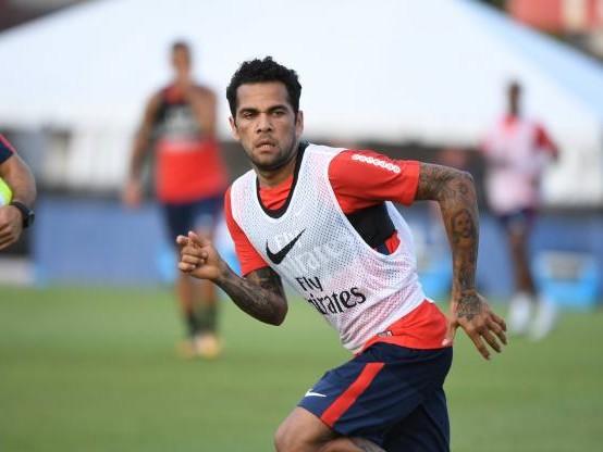 Foot - L1 - PSG - Daniel Alves n'a toujours pas trouvé d'accord pour prolonger avec le PSG : « Je ne sais pas s'ils en ont envie »