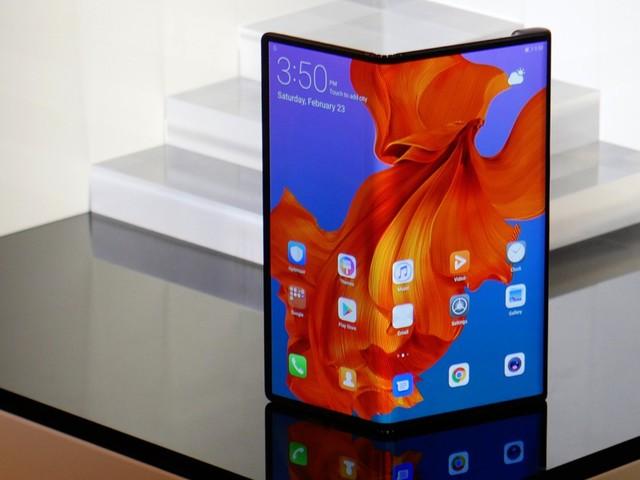 Mate X 5G : Huawei confirme le lancement de son mobile avec un écran pliable