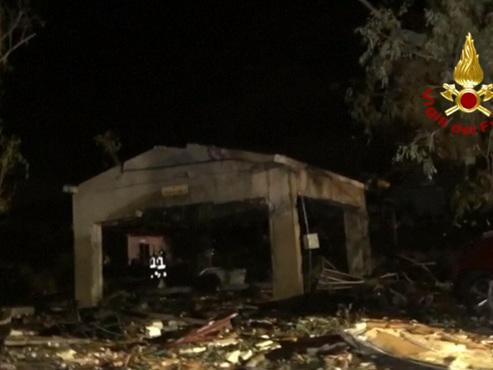 Une fabrique de feux d'artifice explose en Italie et fait 5 morts