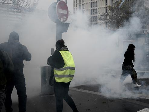 """""""Ca va péter, ça va péter"""", """"Joyeux anniversaire"""": """"plusieurs milliers"""" de gilets jaunes attendus à Paris"""