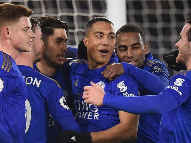 Premier League: Leicester enfonce West Ham (4-1) et Tottenham bat Norwich (2-1)