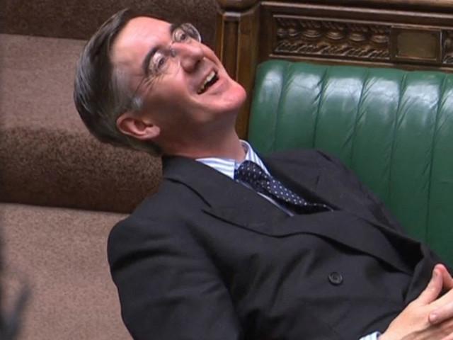 Cette photo d'un parlementaire anglais fait scandale (et enflamme la toile)