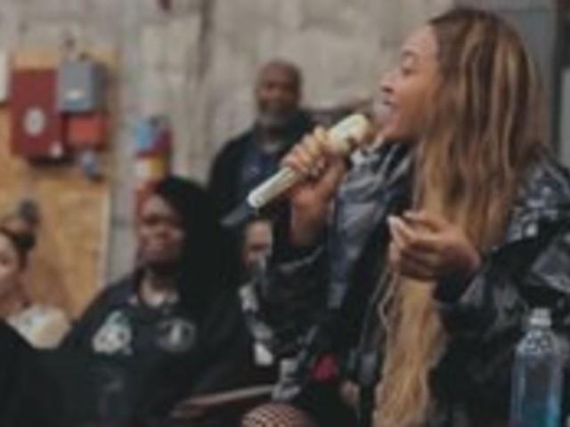 """""""Homecoming"""" de Beyoncé n'est pas juste un documentaire mais aussi un album"""