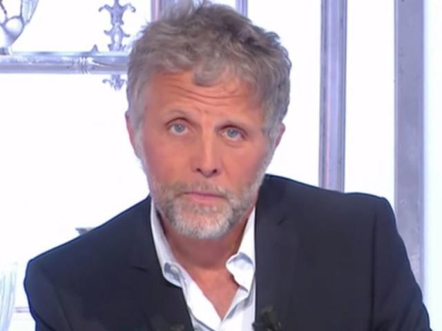 """Canal+ """"pas fâché"""" avec Stéphane Guillon mais ne renouvelle pas son contrat dans """"Salut les Terriens!"""""""