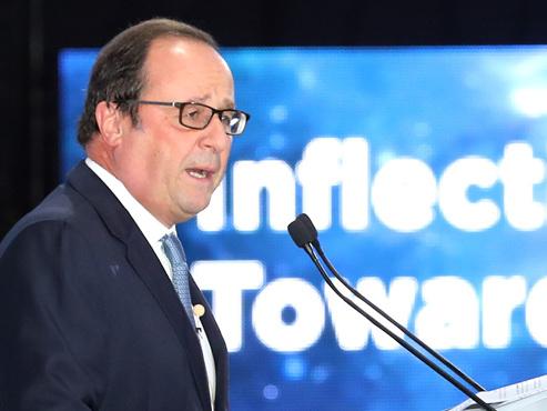 Virulent règlement de comptes entre Emmanuel Macron et François Hollande
