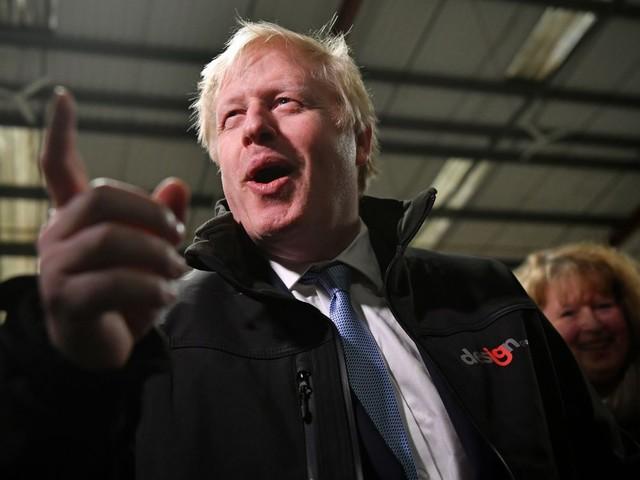 Les conservateurs favoris des élections britanniques, mais l'écart se réduit