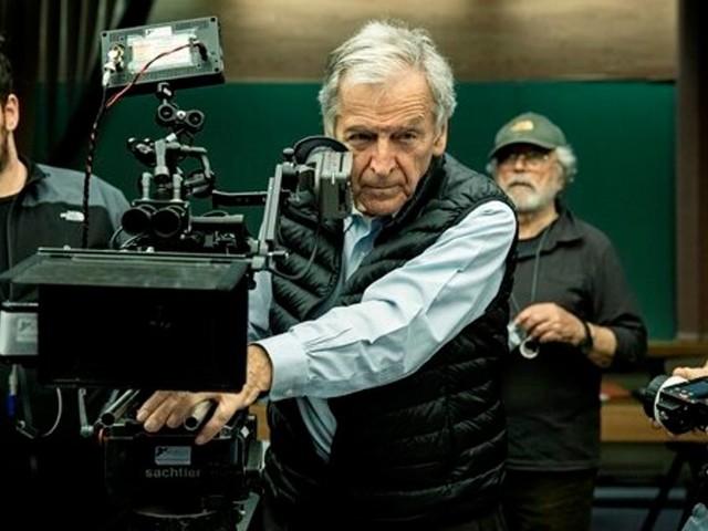 """Le réalisateur Costa Gavras présentera son dernier film """"Adults in the Room"""" à Marrakech"""