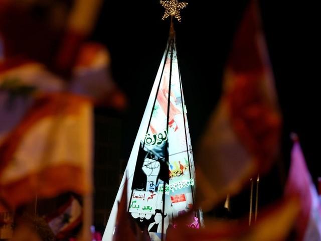 Au Liban, l'arbre de Noël des manifestants ne ressemble à aucun autre