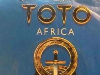 Toto ne relaie que des fake news dans ''Africa''