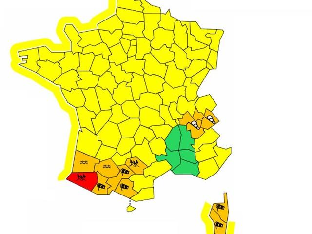 Tempête dans le Sud-Ouest: les Pyrénées-Atlantiques en alerte rouge inondations