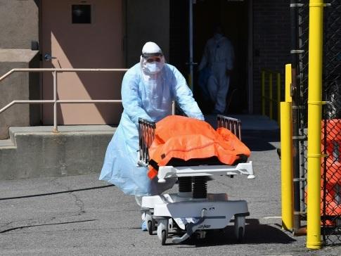 Virus: plus d'un million de malades dans le monde, la pandémie explose aux Etats-Unis