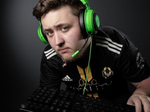 """Le Français """"Zywoo"""" élu meilleur joueur du monde sur Counter-Strike"""