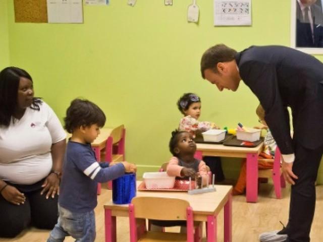 Pour Macron, la lutte contre la pauvreté passe par les enfants et les jeunes
