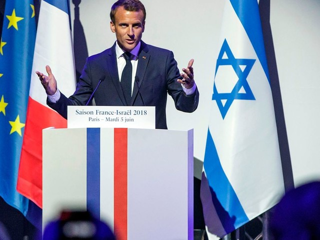 """Macron en Israël: les messages politiques derrière sa visite """"mémorielle"""""""