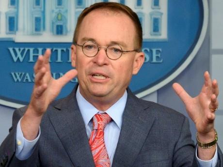 Trump avait lié une aide à l'Ukraine à la politique américaine, admet la Maison Blanche