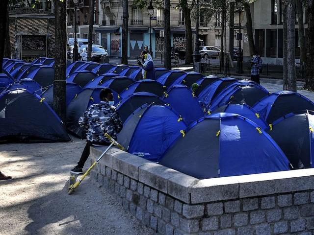 À Paris, un camp de migrants évacué de la Villette 24h après son arrivée