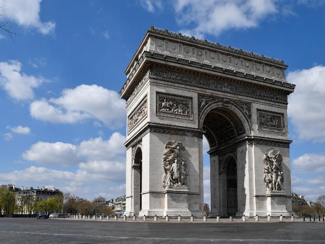 """Les Français dessinent les contours du """"nouveau monde"""" et prennent les élites à contre-pied"""