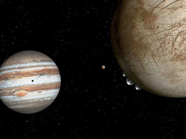 C'est confirmé : de la vapeur d'eau jaillit d'Europe, une lune potentiellement habitable