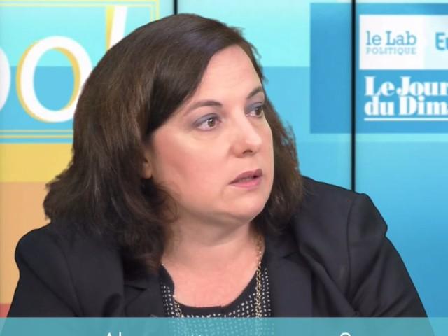 """Emmanuelle Cosse juge """"ignobles"""" les attaques de Mélenchon contre Cazeneuve"""