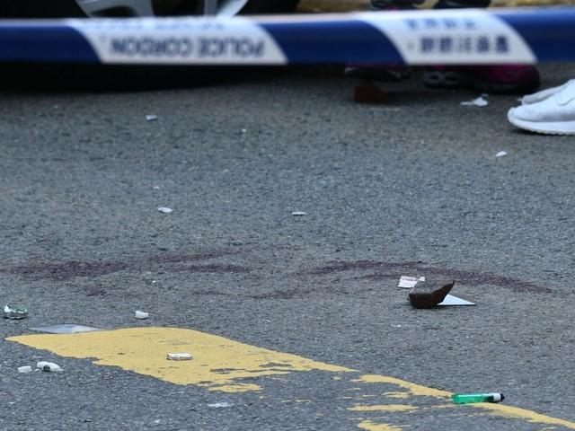 Hong Kong: un manifestant blessé par balle, un homme transformé en torche humaine