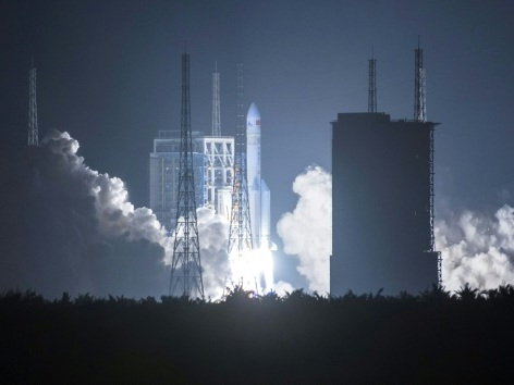 La Chine lance une fusée Longue Marche-5, étape cruciale pour une mission sur Mars