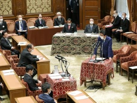 Japon: l'ex-Premier ministre s'excuse devant le Parlement après un scandale