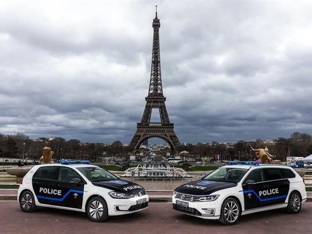 À Paris, la Préfecture de police roule en électrique et en hybride rechargeable