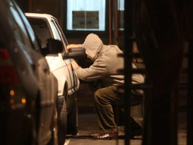 Saint-Médard-en-Jalles : vingt-et-une voitures fracturées dans la nuit